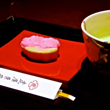 Best Sweets for Green Tea in Japan!