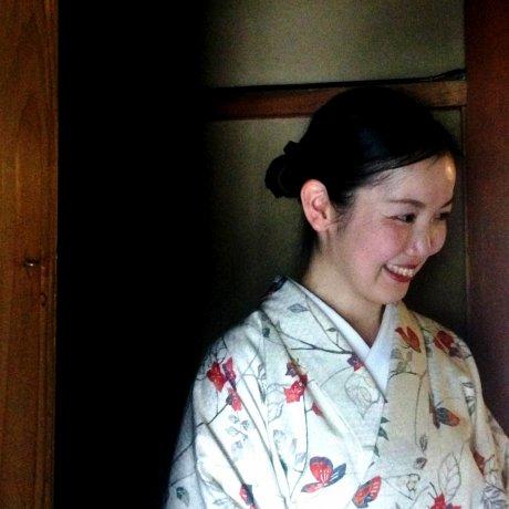 Camellia Tea Ceremony in Kyoto