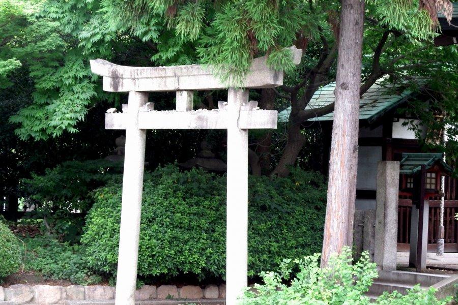 Small Shrines inside Hōkoku Shrine