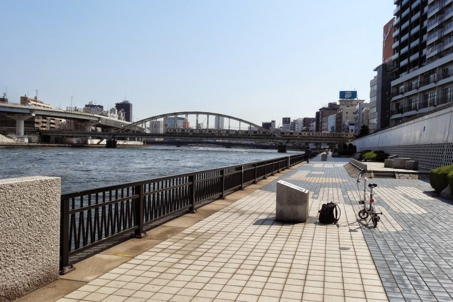 Cycling along the Sumida