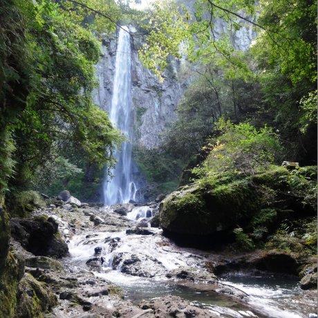 Higashi Shiiya Waterfall