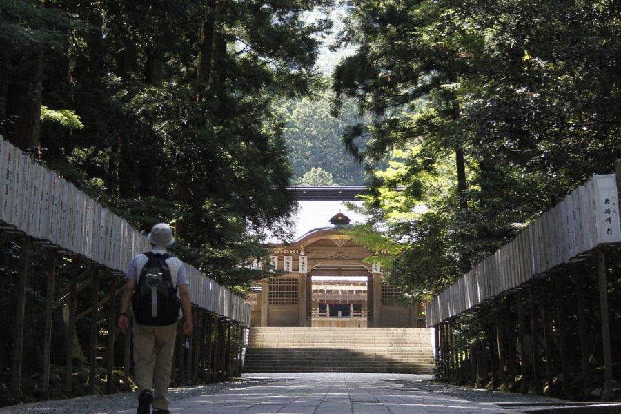 Visiting Yahiko Shrine