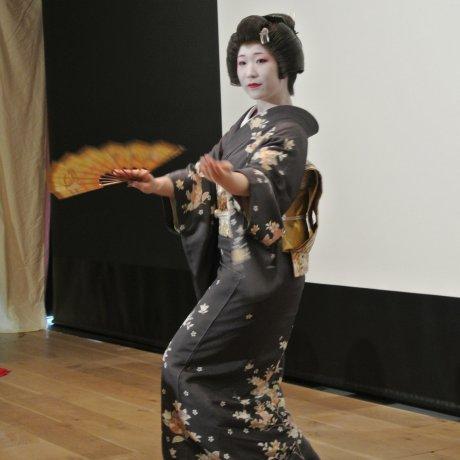 Ozashiki Odori of Asakusa Geisha