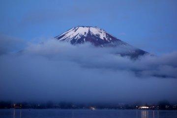 Mt. Fuji & Yamanakako before Dawn
