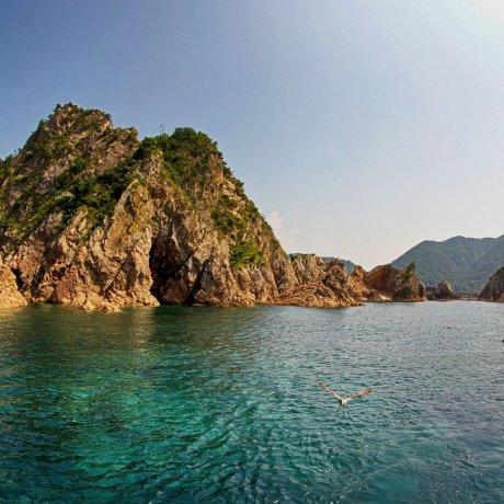Tottori Uradome Coast Boat Cruise