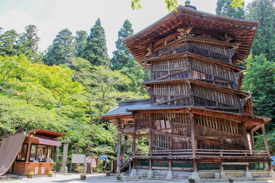 Aizu Sazaedo Temple