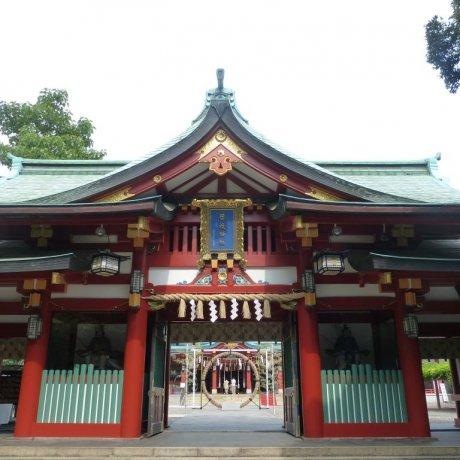 Akasaka's Hie-jinja Shrine