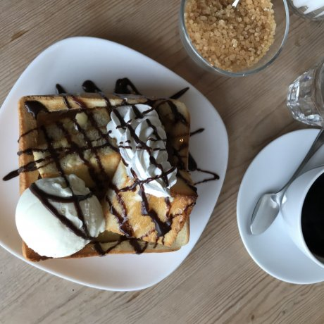 Cafe A Table
