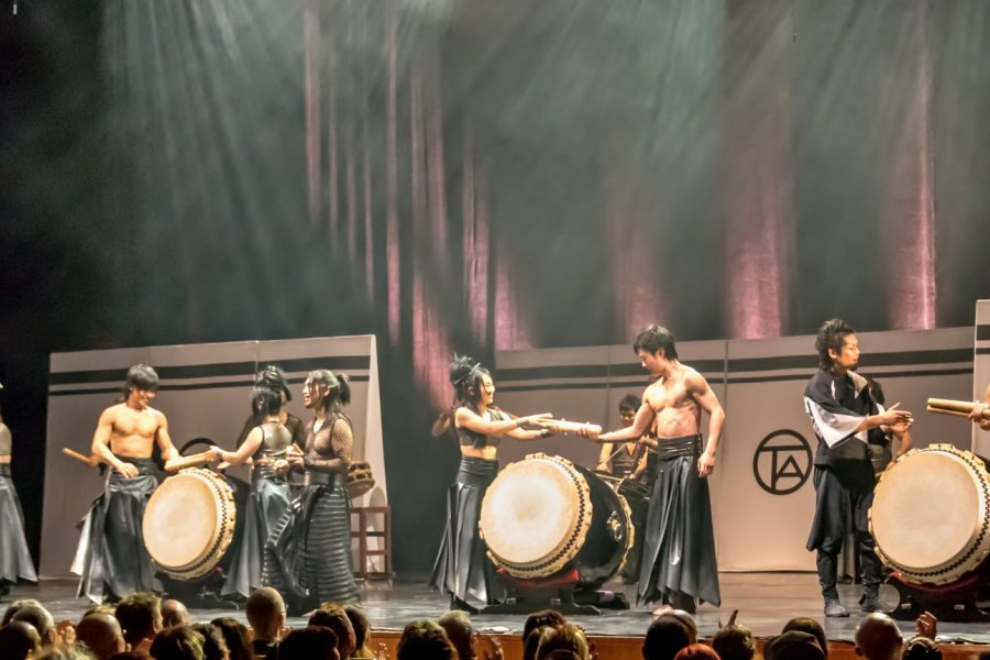 Revolutionary New Drumming Entertainment in Tokyo - Mangekyo