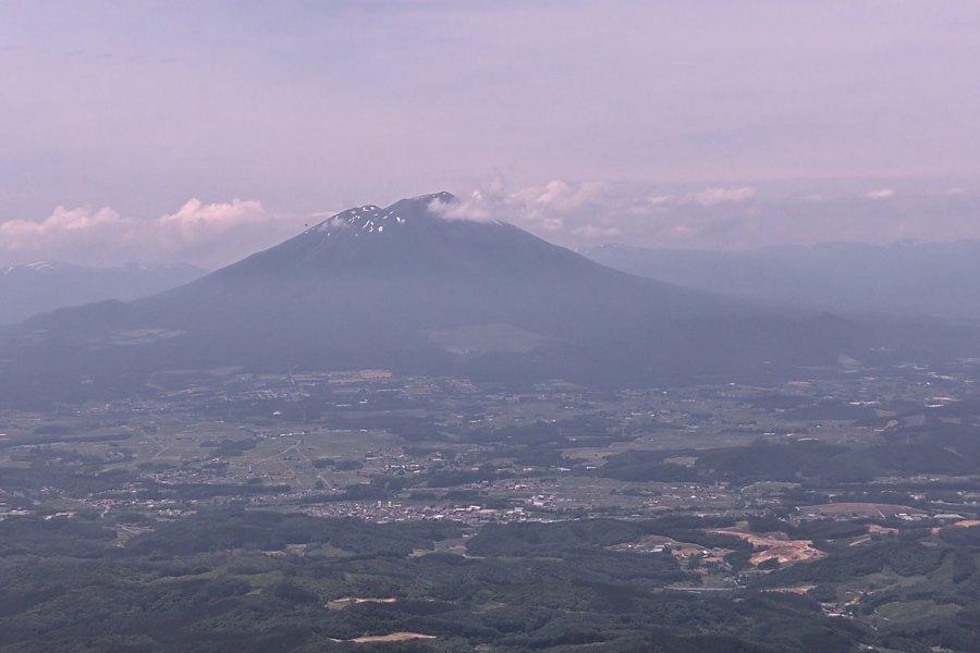 Climbing Mount Himekami