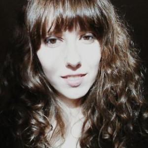 Roxanne L W profile photo