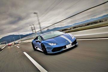 Driving Experience in Tokyo: Lamborghini Huracan Avio